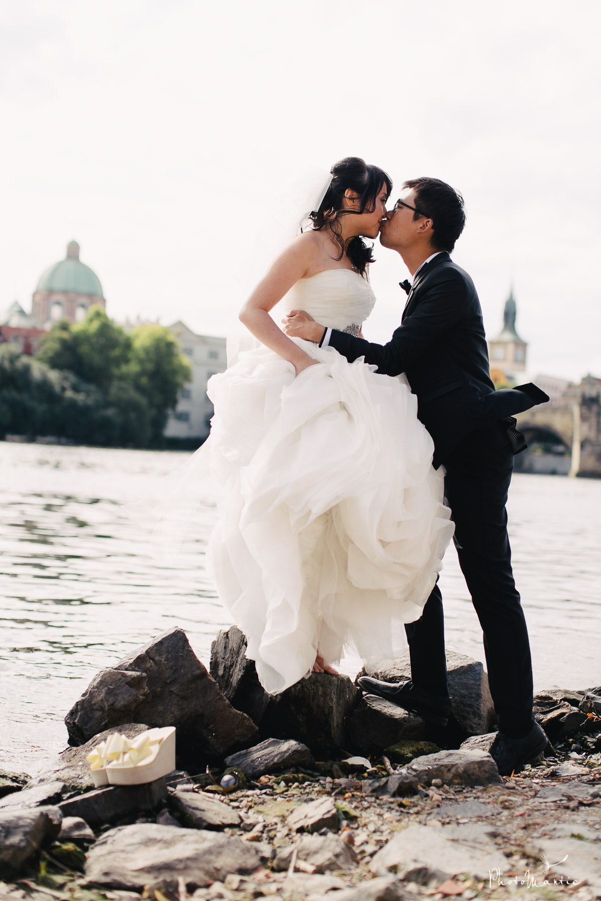 prague wedding photos