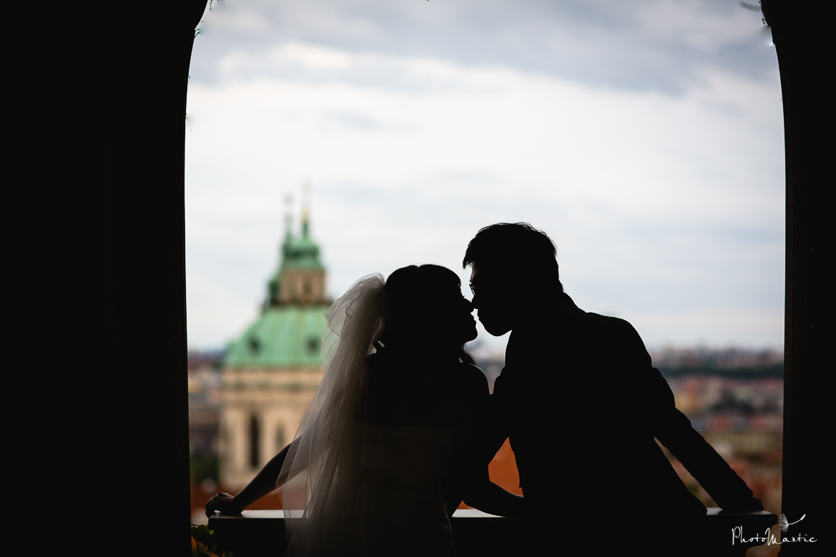hong kong couple in Prague